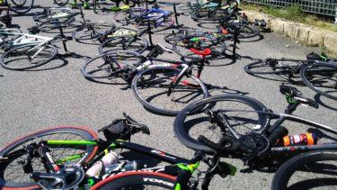 酷暑での自転車ライドにキンキンに冷えたドリンクを携帯する方法